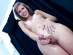 Hottest TS Cumshot  (webcam)