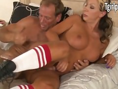 TS Ariel Everitts anal riding coupled..