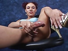 huge&sexy shemale Mia Isabella..