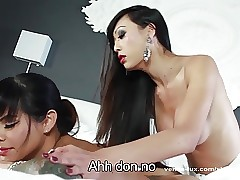 Venus Lux Gives Foxxy An Anal Rub down